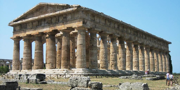 Paestum, enchanting place steeped in history 10 minutes from Agropoli